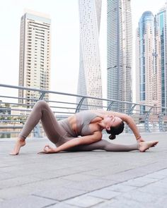 """""""The best thing you could do is master the chaos within you. You are not thrown into the fire. You are the fire."""" - Mama Indigo. @jessicaolie is featured in the Lush Bra & High Waist Airbrush Legging. #aloyoga #beagoddess"""