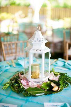 lantern centerpiece | Rebekah Hoyt #wedding