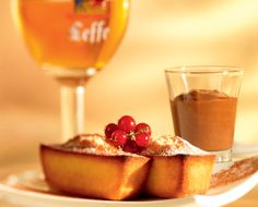 Petite brown-butter cake with a side of chocolate-caramel cream and vanilla #belgianbeer #dessert #cake #Callebaut #chocolate