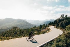 Cape Town Cycling Vacations – The Most Rewarding Places to Cycle in Cape Town M/(WhatsApp)👉 +27 (0)721 863 213 P👉 +27 21 782 7374 Email👉 enquiries@cyclethecape.com . . . #CyclingAdventure #Adventure #BicycleTouring #CapeTown #cyclethecape #bicyclerental Cycling Australia, Dangerous Roads, Road Cycling, Cape Town, Wall Canvas, Country Roads, Europe, Stock Photos, Sunset