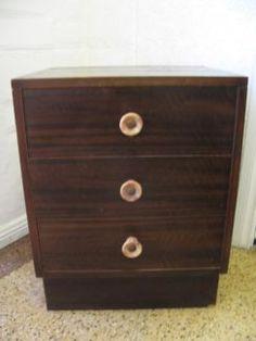 $30 VINTAGE TIMBER BROWN BEDSIDE TABLE  Text 0411691171 or email info@bitspencer.com