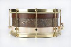 Hybrid material snare drum, Venezuelan Puy wood, bosphorus cymbals metal and italian hard maple