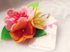 Felt Spring Wildflowers adds vibrant colors to a routine boring day. <3