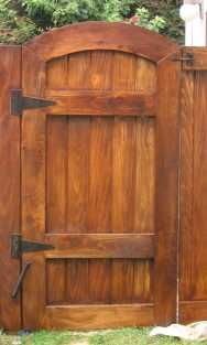 Out Of All The Cedar Fence Gate Designs There This Gorgeous Rustic Wooden Is Perfect Touch As An Entranceway To Garden