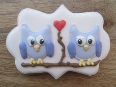 It is the season of love and who doesn't love owls?