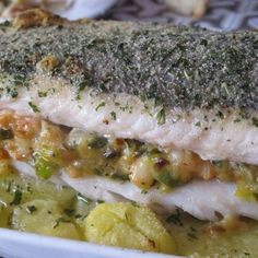 Merluza rellena de marisco al horno Chicken Salad Recipes, Fish Recipes, Seafood Recipes, Easy Cooking, Cooking Recipes, Healthy Recipes, Southern Recipes, Fish And Seafood, Soul Food