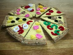 pizza free crochet pattern by Catherine Bligh