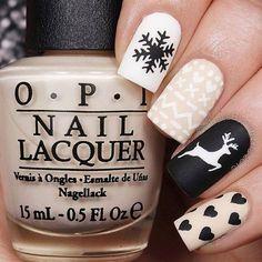 Christmas Nail Stickers, Cute Christmas Nails, Xmas Nails, Holiday Nails, Christmas Deer, Valentine Nails, Xmas Nail Art, Black Christmas, Christmas Fashion