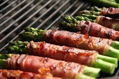 Crispy Prosciutto Wrapped Asparagus from the Grill