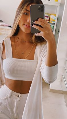 Holiday Outfits, Ootd, Crop Tops, Clothes, Women, Mirror, Style, Girls, Fashion