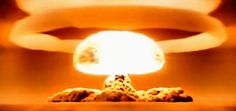 World's Most Powerful Neclear Bomb - Tsar Bomba [HD] - Tsubarov 2121 Bomba Nuclear, Nuclear Test, Nuclear Bomb, Les Aliens, Flat Earth Society, Manhattan Project, Shock Wave, Atomic Age, Military History