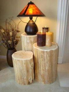 Tree trunks used as unique living room decoration   Image via artesanatobrasil.net