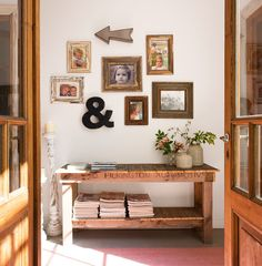 Un collage personal Decor, Cozy Decor, Warm Decor, Wall Deco, European House, Interior Design, Home Decor, Porch Decorating, Home Deco