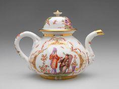 Johann Gregorius Höroldt, painter German, 1696 - 1775 Meissen Porcelain Manufactory German, 1710-present Teapot, ca. 1725 Porcelain with enamels, glaze, and gilding