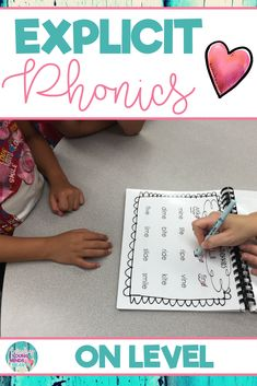 A quick and easy way to get your students warmed up, focused and on track before reading a selection. Use these phonics templates during small group reading instruction as a pre-reading strategy to help your students. Before reading the weekly selection, students have a chance to explicitly practice that week's phonics skill. Click the link to check out these explicit phonics templates for Reading Wonders Leveled Readers for the on level group #explicitphonics #phonics #chunking