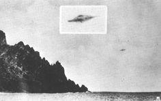 1958 - Trindade é uma pequena ilha rochosa no meio do Oceano Atlântico Sul 600 milhas ao largo da costa da Bahia, Brasil. Almiro Baraúna iria tirar uma sequência de fotos deste UFO fora de uma embarcação naval. Mais de 50 testemunhas viram o UFO, incluindo o capitão do navio. Algumas das mais conhecidas fotos de um UFO.