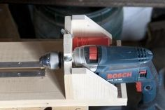 Wood Lathe by cristikc -- Homemade wood lathe constructed from wood and powered by an electric drill. http://www.homemadetools.net/homemade-wood-lathe-18