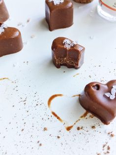 salted honey + peanut butter freezer fudge {dairy-free + naturally sweetened} - Parsnips and Pastries