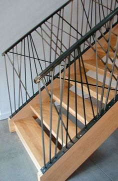 The Next Level: 14 Stair Railings to Elevate Your Home Design Unbelievable staircase railing height ontario for your cozy home Interior Stair Railing, Staircase Handrail, Stair Railing Design, Deck Railings, Railing Ideas, Banisters, Escalier Design, Steel Stairs, Modern Stairs