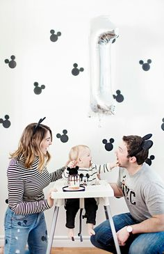 Monochrome Mickey Mouse Birthday Party Mickey 1st Birthdays, Mickey Mouse First Birthday, Baby First Birthday, 1st Boy Birthday, First Birthday Parties, Birthday Ideas, Theme Mickey, Mickey Party, Minnie Mouse Party