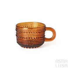 Nuutajärvi Kastehelmi Brown Cup 12 cl, designed by Oiva Toikka. Nordic Vintage from Finland. #ヌータヤルヴィ #北欧ヴィンテージ #北欧ヴィンテージ食器 #北欧食器#nordicdishes #nordicvintage #vintagedishes #レトロ食器 #ヴィンテージ食器 #Finnishdesign #oivatoikka #toikka #イッタラ #Iittala #nuutajärvi #オイヴァトイッカ #glass #retrodishes #kastehelmi #カステヘルミ