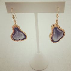 drooling over these gold and druzy earrings