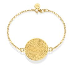 This delicate bracelet encaptures the fine detailed Mini Marie disc in 18ct Gold Vermeil on Sterling Silver. The disc measures approximately 25mm (1.0