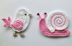 adorable bird and snail crochet amigurumi.  no pattern, just inspiration.