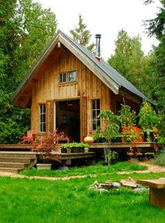 Oh now this is the one right there!!! Love this tiny off grid house
