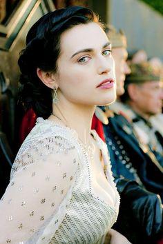 "katiemcgrath-daily: ""Random pictures of Katie McGrath : "" Colin Morgan, Morgan Le Fay, Katie Mcgrath Hot, Roi Arthur, Merlin Cast, Beautiful People, Beautiful Women, Lena Luthor, Intelligent Women"