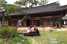 Kimchi making at Old Korean style house(Hanok) during the Jeonju tour