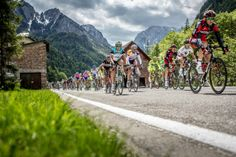 Photo Essay: A look back at the inner workings of the 2013 Giro d'Italia - VeloNews.com