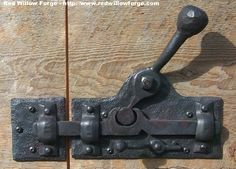 I would like to try making this bigger or out of wood. Great latch for the mew door.