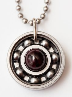 Hey there, January babies, now's the perfect time to order your birthstone pendant! Not only is garnet an absolutely beautifully colored stone, but it's considered a great gift to symbolize friendship and trust. AND birthstones are 25% off in their respective months (discount automatically applied at checkout). So get one for a friend too! #derbygirldesigns #bearingjewelry #jewelrythatrocks #garnet #januarybirthstone #friendship #trust