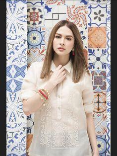 Pinasilk barong Barong Tagalog For Women, Modern Filipiniana Dress, Baby Crafts, Blouse Designs, Dresses With Sleeves, Passion, Costume, Fashion Outfits, Silk