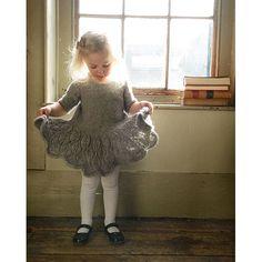 Ideas for knitting patterns sweaters kids children ravelry Toddler Dress Patterns, Universal Yarn, Baby Scarf, Christmas Knitting Patterns, Dress Gloves, Red Heart Yarn, Arm Knitting, Yarn Brands, Stunning Dresses