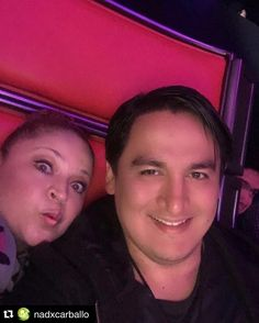 #Repost @nadxcarballo with @repostapp.  @gusrincon y yo... Así vemos @lavozmexico Auuuh!!!  @jbalvin @gloriatrevi @lostigresdelnorte @alejandrosanz by gusrincon