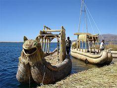 Bateaux de totora  Pérou > Lac Titicaca > Iles Uros