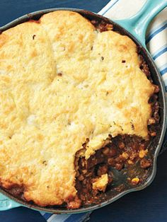 6 Easy Ground Beef Dinner Ideas - includes super easy yummy cornbread and beef skillet pie!