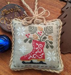 Spirit Of Christmas- Set 1 Spirit Of Christmas- Set bags purses crafts stitches patterns stitch crochet crafts Cross Stitch Finishing, Cross Stitch Love, Cross Stitch Charts, Cross Stitch Designs, Cross Stitch Patterns, Cat Cross Stitches, Cross Stitching, Cross Stitch Embroidery, Hand Embroidery