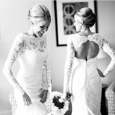 It's #friday and we had to #regram this shot from @smpweddings and @bellalilybridal as we know you'll #love this #keyhole back and #lace  #wedding #fridaynight #bride #EllisBridal #ellisbridals #brude #weddingdress by ellisbridals