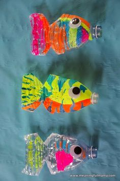 Find water bottle crafts for kids. 12 water bottle crafts for kids. They will love these plastic bottle craft ideas to keep them busy. Plastic bottle crafts are frugal and tons of fun for kids! Kids Crafts, Summer Crafts, Preschool Crafts, Arts And Crafts, Preschool Christmas, Christmas Crafts, Water Bottle Crafts, Plastic Bottle Crafts, Water Bottles