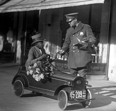 The Custer Car was a tiny automobile that was a frequent attraction at amusement parks.