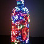 Texto escrito por: Grecia González paragalatea-arte.com  Como muchas otras marcas, la firma sueca Absolut Vodka, empezó a interesarse en el coleccionismo de arte. Ya sea por mercadotecnia o inversión, o por ambas.  Absolut Vodka, comenzó a interesarse en el arte con Andy Warhol, ícono del arte pop. Como bien sabemos, Warhol comenzó su …