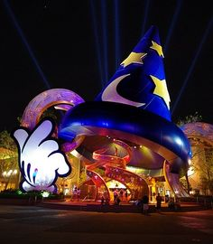 Disney World Orlando, FL: I've been here one too many times but I still love this place :)