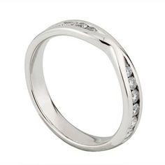 Ladies Platinum 035 Carat Diamond Shaped Wedding Ring