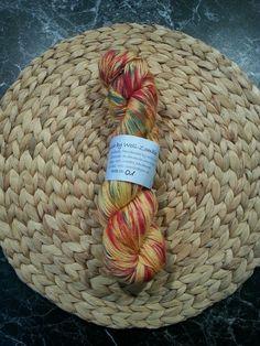 Handgefärbte Wolle, 100% Merino, High Twist, LL ca. 365m, 100g, gelb-rot-grün in Möbel & Wohnen, Hobby & Künstlerbedarf, Garne & Strickwolle | eBay
