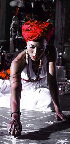 Angela Bassett as Marie Laveau in 'American Horror Story: Coven' (2013). Costume Designer: Lou Eyrich