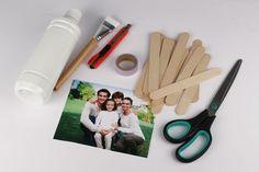 Puzzle photo avec bâtonnets en bois - Activités enfantines - 10 Doigts Puzzle Photo, Puzzles, Jw Gifts, Babysitting, Bookends, Creations, Photos, Scrap, Diy