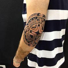 Começando um 3/4. #maoritattoo #maori #polynesian #tatuagemmaori #tattoomaori #polynesiantattoos #polynesiantattoo #polynesia #tattoo #tatuagem #tattoos #blackart #blackwork #polynesiantattoos #marquesantattoo #tribal #guteixeiratattoo #goodlucktattoo #tribaltattooers #tattoo2me #inspirationtatto #tatuagemmaori #blxckink